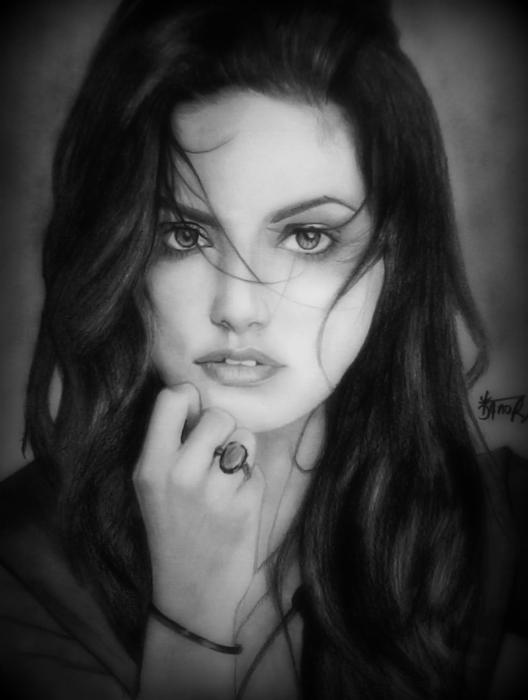 Phoebe Tonkin by ronib
